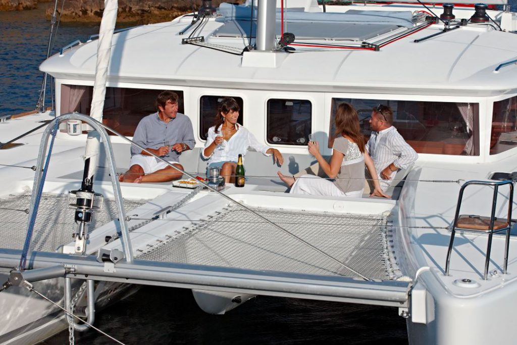 Catamarano Lagoon 450 prua