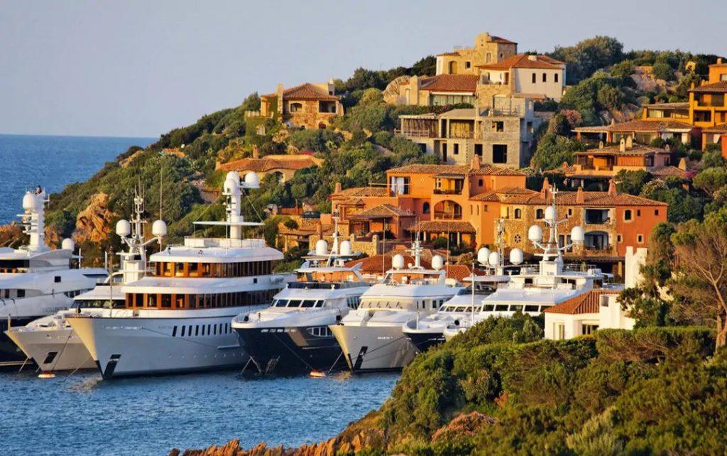 Vacanze in Catamarano a Portocervo, Sardegna